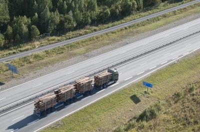 ETT-fordonet testas i Norrbotten. Bilder från skog till industri.